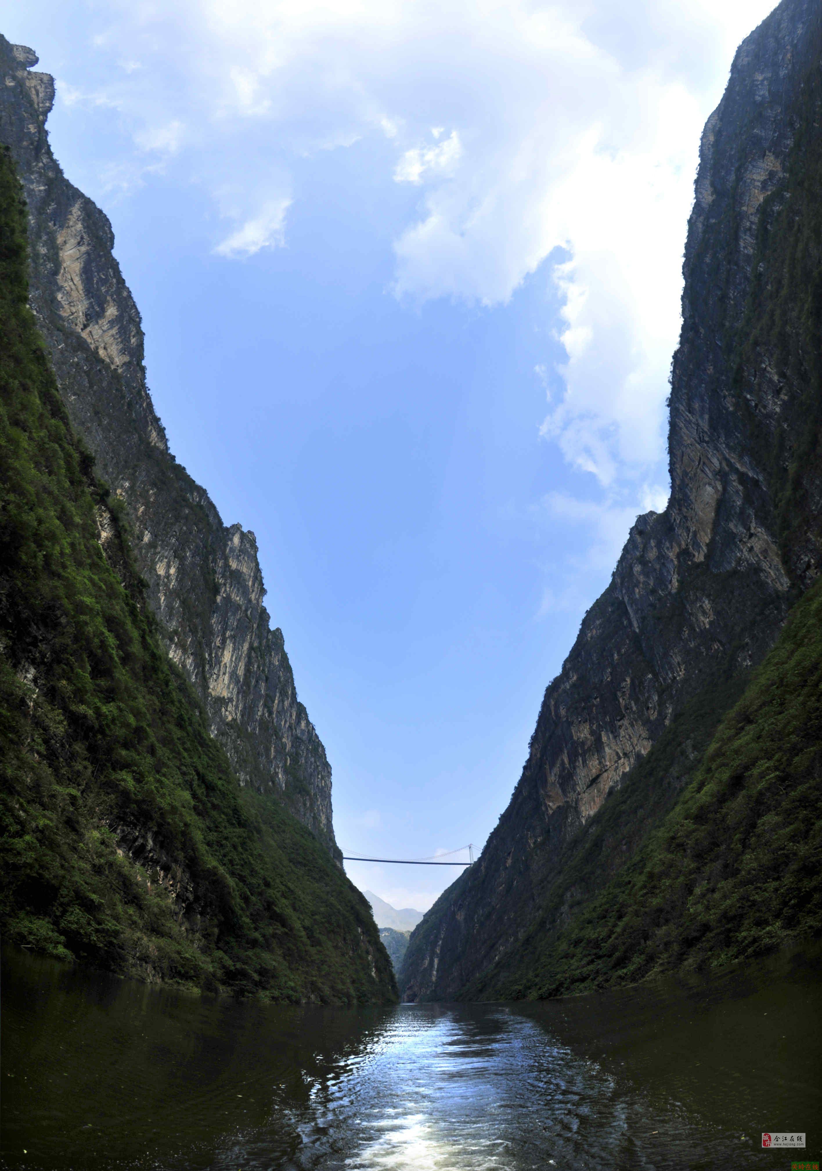 描述:中国贵州关岭花江大峡谷风光之一.jpg