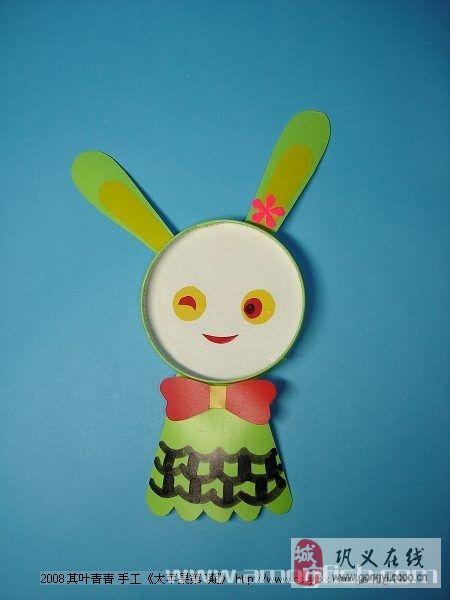 纸杯做可爱的小兔子