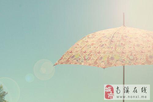 主题: [转贴]打雨伞的唯美女生来啦 打着雨伞有着忧伤
