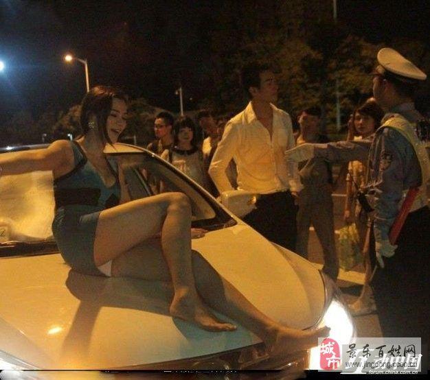 分享看看中国人喝酒的境界 男女老少都high翻