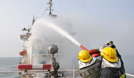 [贴图]外籍货轮突发大火