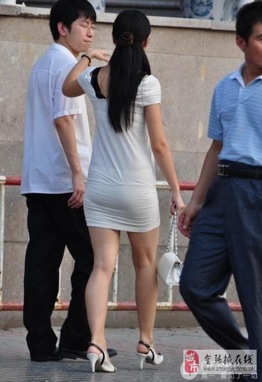 白裤美臀美女显露内裤论坛图片 张掖论坛