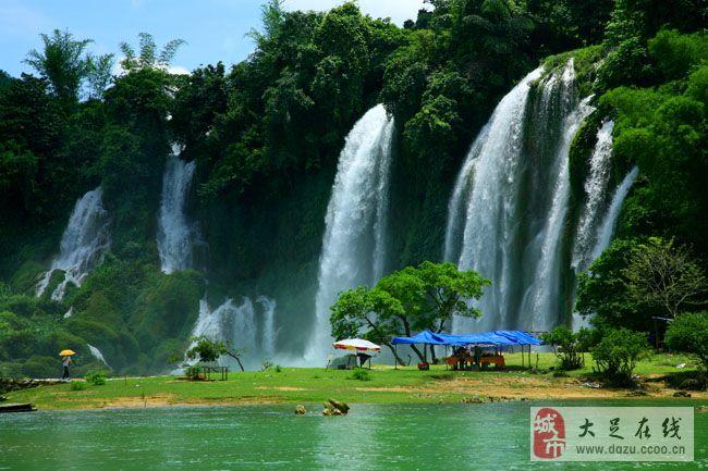 歇凤山公园,金龙公园,沙龙公园,万县市博物馆,王耳包生态植物园 ,万洲