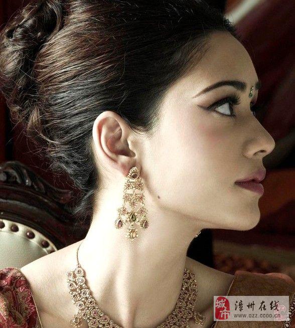 珠光宝气的印度漂亮新娘