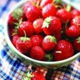 """""""果中皇后""""草莓4种特殊功效"""