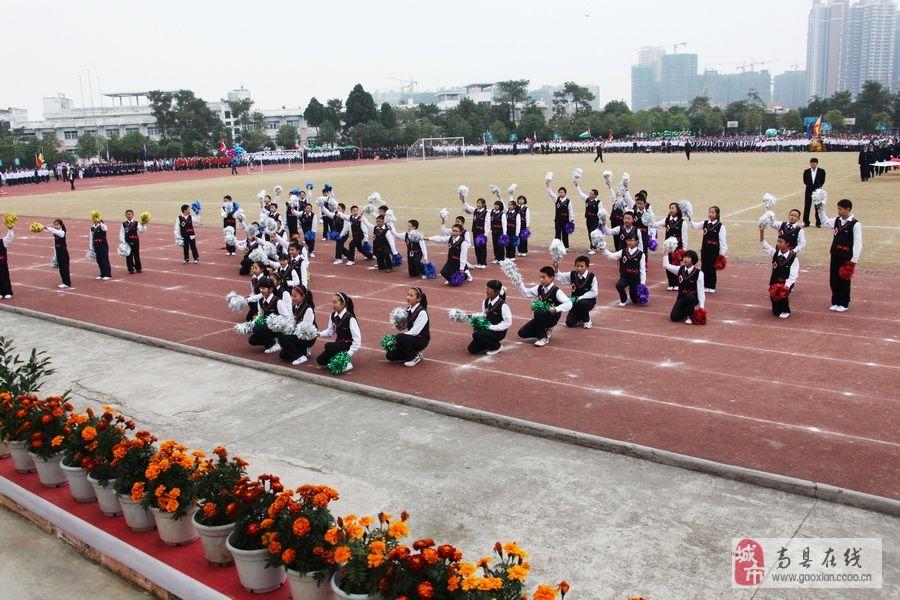 世纪国际学校 大连枫叶国际学校 国际学校校服