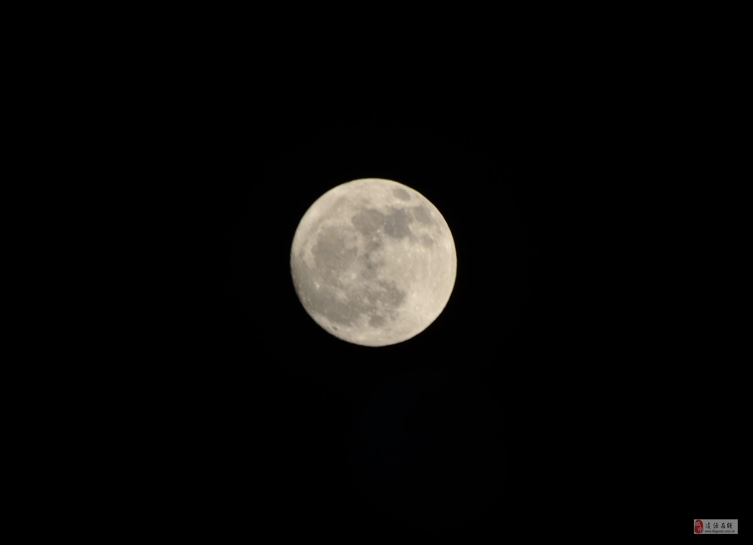 微信登录界面月亮素材
