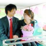 【校�@婚�Y】宿舍��新房 大四男生租�^光�迎娶新娘