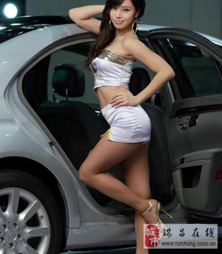 韩国车展美模 诱惑迷人曲线