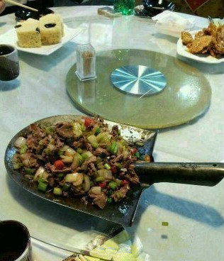 四川的一道名菜——吃个铲铲