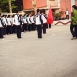高二男生升旗式上表白