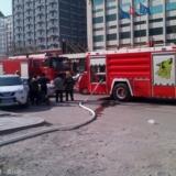 [原创]水晶街失火,消防架云梯救人,摆摊车辆堵了救火路,城管渎职