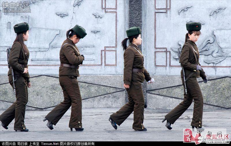 女人 边境/铁丝网内的女人中朝边境线上的朝鲜女哨兵们...