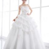 蕾丝木耳花边 桃心抹胸 几何立体裙摆 性感时尚品质婚纱