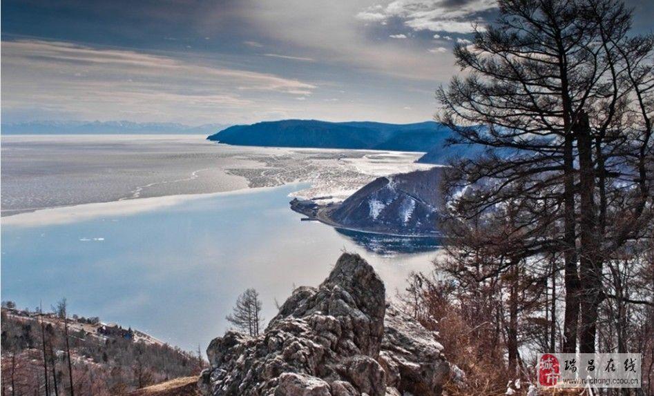 俄罗斯贝尔加湖的冰雪奇景