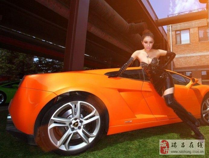 妖娆猫女车模与美车的邂逅。