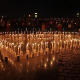 临潼人民在中心广场为雅安祈福