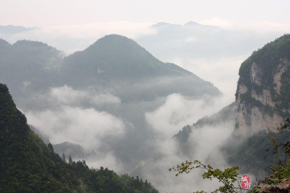 利川玉龙洞风景区到恩施大峡谷怎么走全程约47.