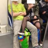[贴图]地铁无节操,黑丝照大集结