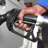 车加油时你注意到加油员的这个小动作了吗?