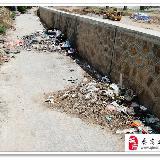 [原创]绿化带之后垃圾堆山(图)?