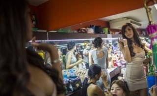 泰国红灯区:春情色诱,堕落夜生活