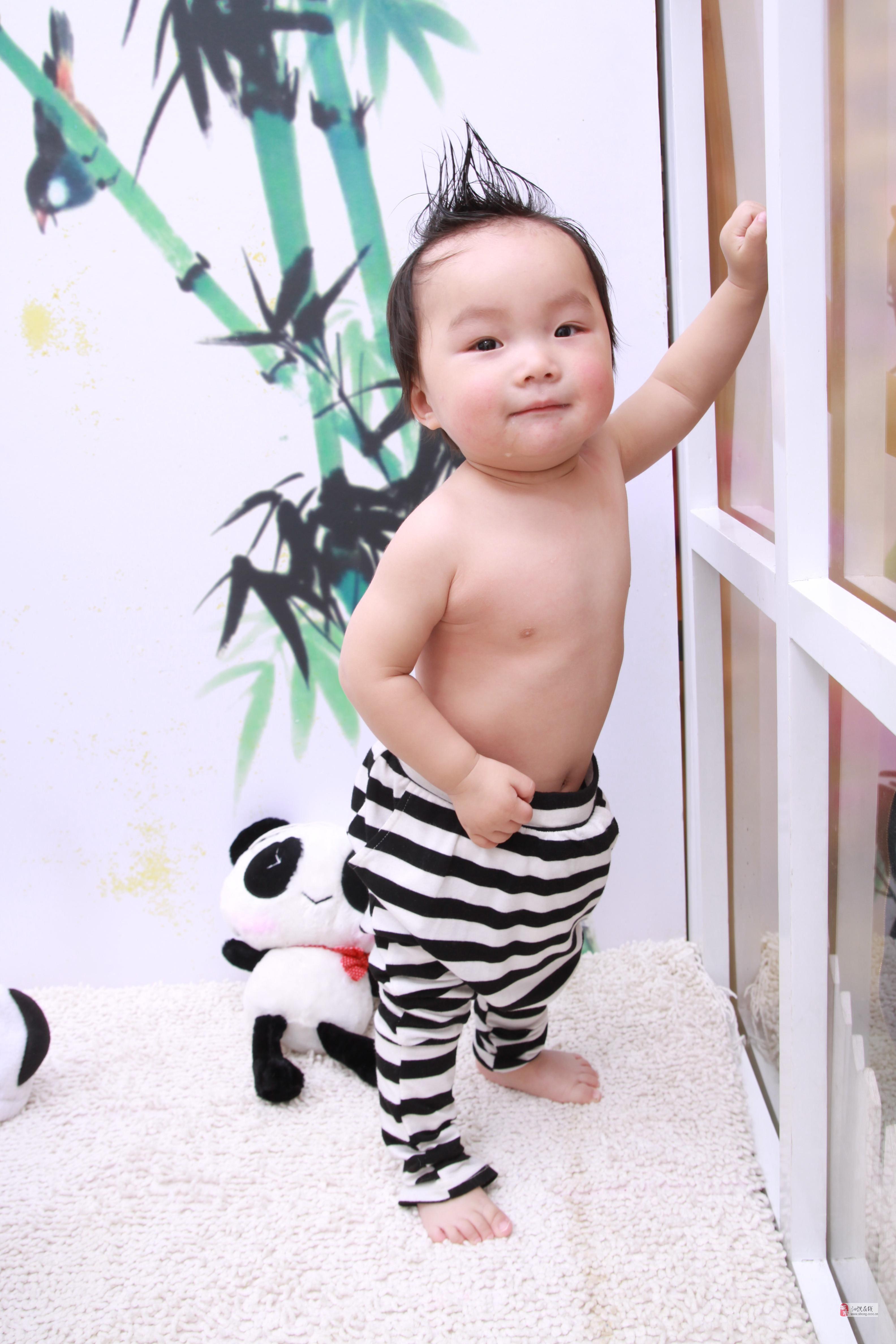 两岁半超可爱小弟弟