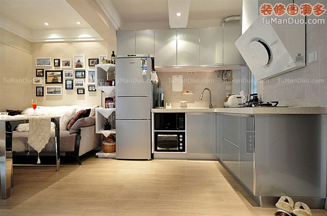 小资小夫妻的小HOUSE现代小户型厨房实景图橱柜照片墙