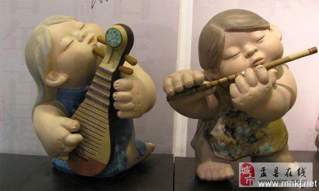 好色娃娃组�_一组可爱的泥塑娃娃