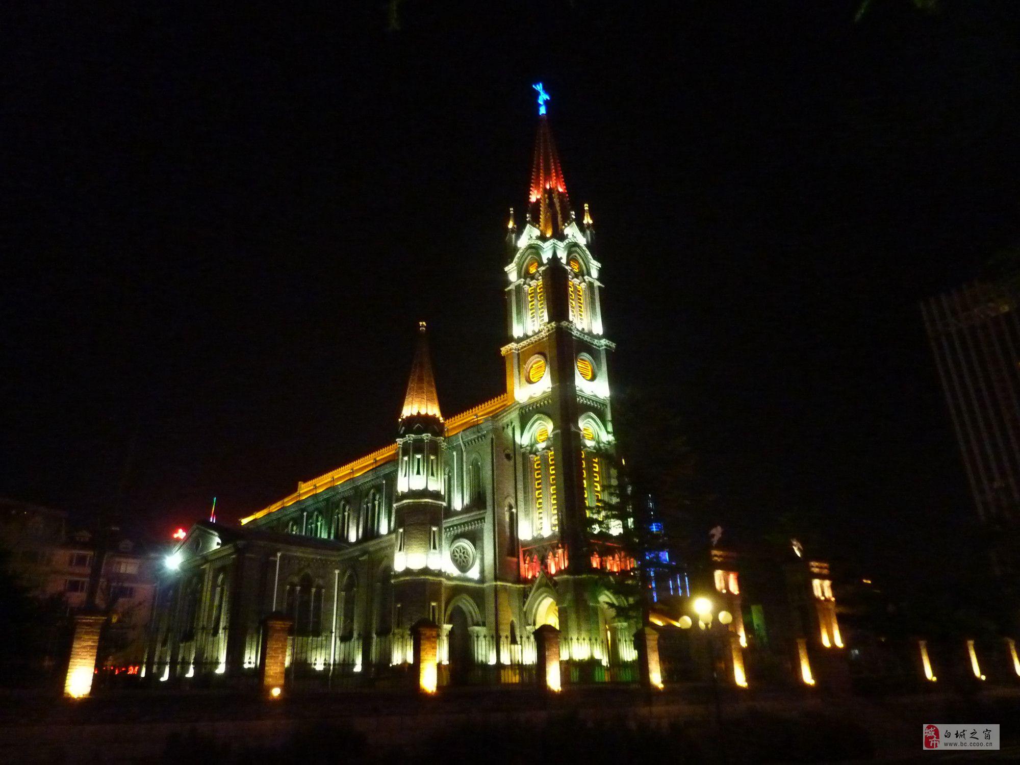 青山塔夜景图片
