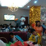 泗水欧洲城携手?#20999;?#24188;儿园于六月一日为孩子们送去一份节日大餐