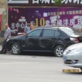 铜仁东太大道发生货车碰撞轿车交通事故