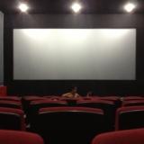 谁来陪我看电影啊?