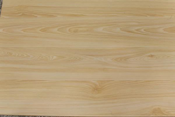 型号:b002 别名:经典白橡木 材质:仿实木地板 规格:807.5*129*12.3