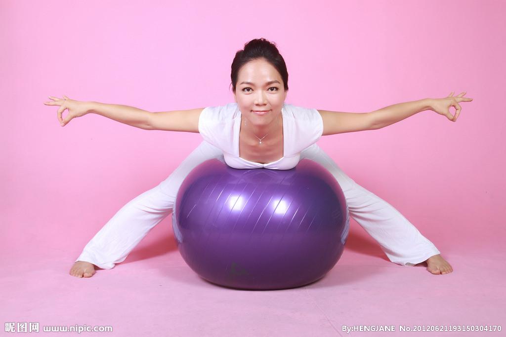 南昌瑜伽教练培训_球瑜伽_塑球瑜伽,球瑜伽图片图片