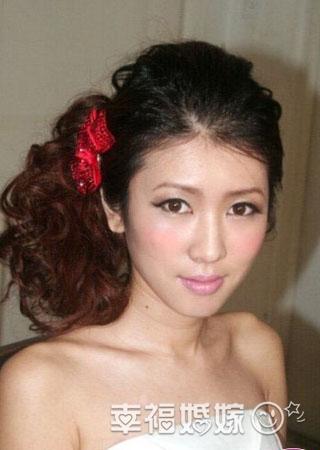 80后最爱的可爱日系新娘妆发型
