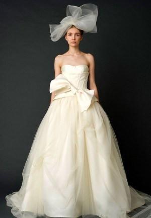 婚纱头巾戴法图解