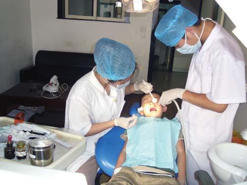 窝沟封闭术是世界卫生组织(WHO)向全世界儿童