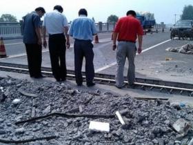 溧阳八座省道公路桥梁的伸缩缝已及时进行修复作业