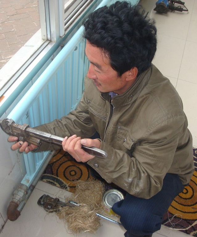 有一手暖气安装维修绝活的安师傅