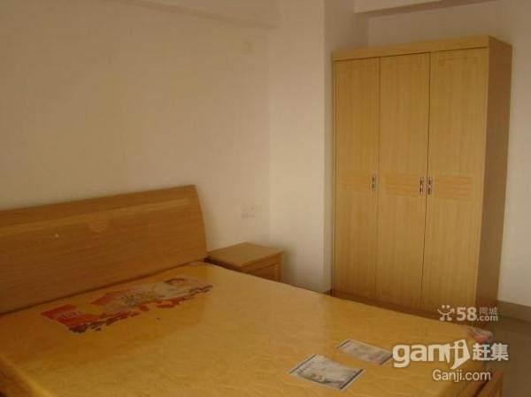 家芗0596 三房一厅精装出租 低价出租!实图拍摄