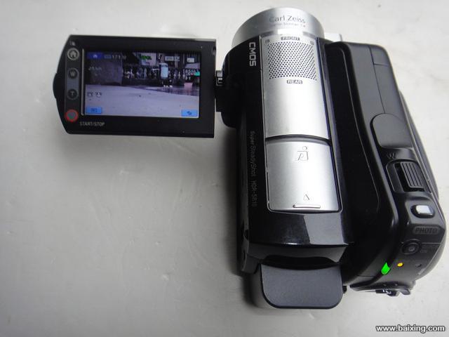 原价五千多元的 索尼型号HDR-SR10E 摄像