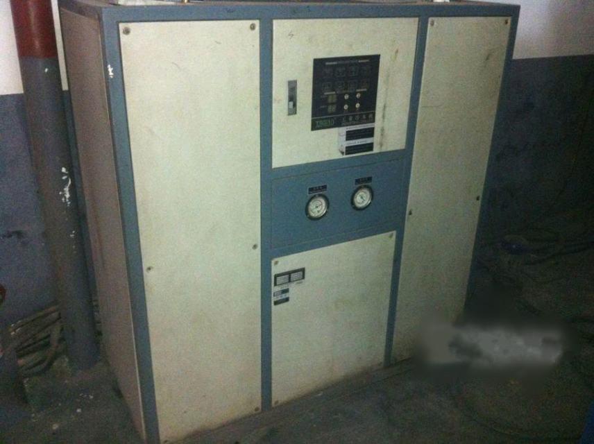 工業冷水機2臺8P10P