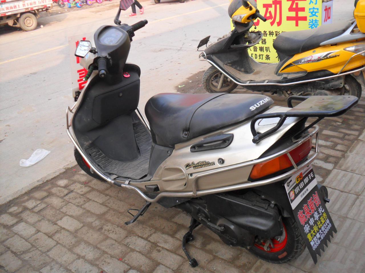 摩托车爆闪灯安装