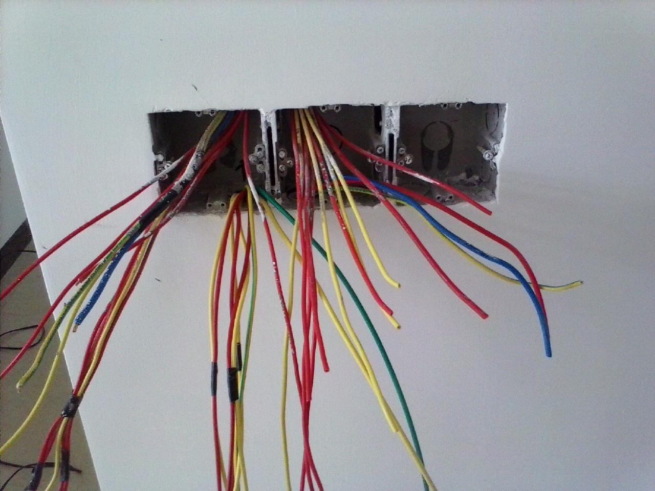吊顶内部接线图片