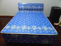新双人床出售