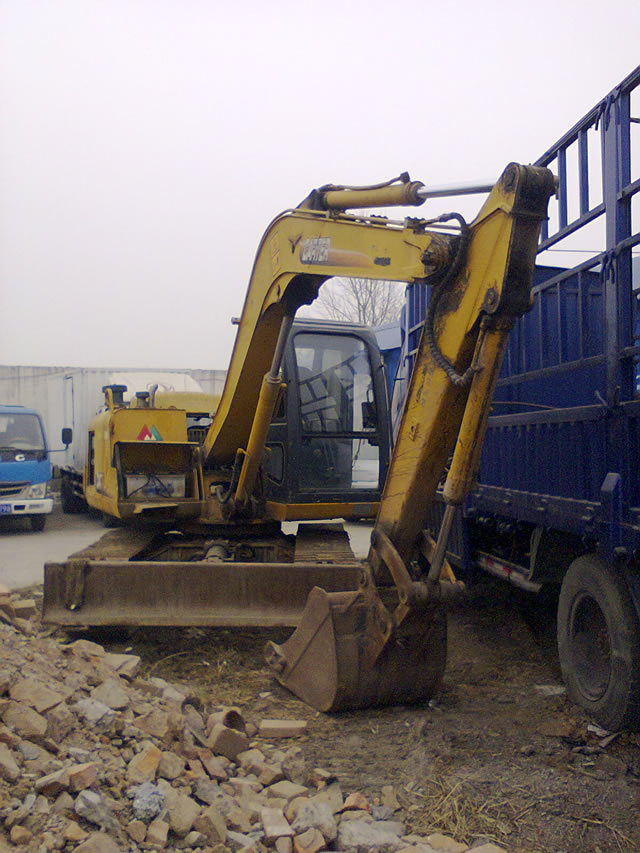 卡特80履带挖掘机   进口配置 车况好 因有其他