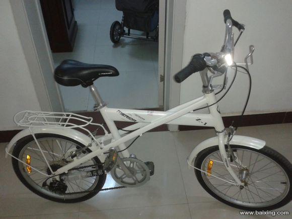 出售一辆女士骑的白色美利达Z1(城市概念休闲车)