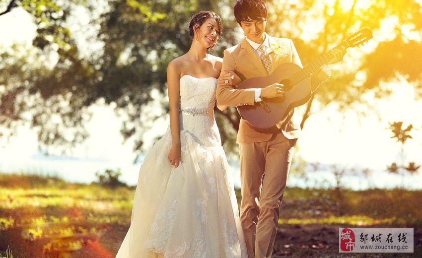 貴族天使婚照優惠活動:1999元,拍帶有海景的婚紗