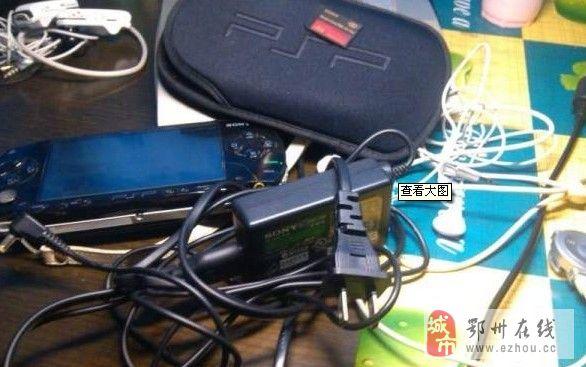 PSP1000黑色原配+2个记忆棒
